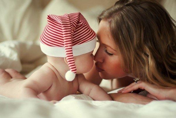 Ребенок с мамой Новый Год