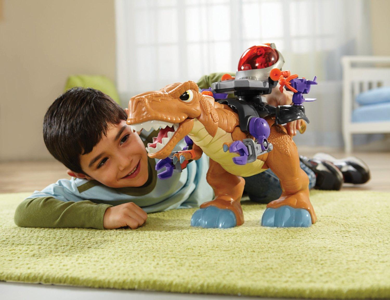 Мальчик с динозавром