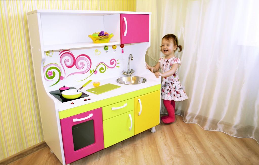 Девочка с кухней